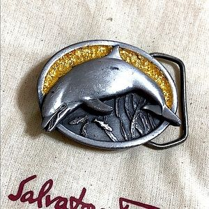 🖤1984 VTG Dolphin belt buckle
